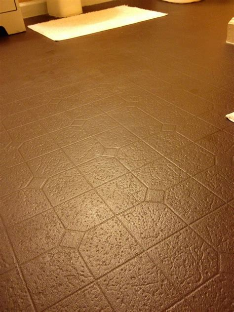 painting vinyl kitchen floors aprons and stilletos how will painted vinyl floors 4073