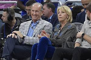 Betsy Devos 39 Billionaire Father In Law Richard Devos Dies