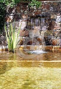Gartenteich Mit Wasserfall : gartenteich mit wasserfall stockfoto bild 42411123 ~ Orissabook.com Haus und Dekorationen