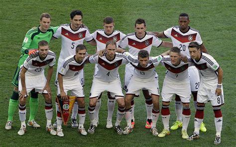 Die mannschaft von luiz felipe scolari rang in fortaleza die auswahl. Fußball-Weltmeister 2014 Deutschland als Wallpaper - it ...