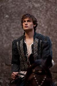 Our very own Romeo, Douglas Booth #romeoandjuliet # ...