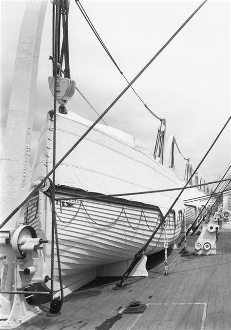 rms olympic life boats titanic pinterest