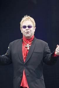 Elton John Praises Pope Francis: 'Make Him a Saint Now ...  Elton