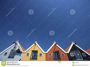 Häuser In Holland : bunte h user an der k ste in holland mit einem blauen stockbilder bild 9215584 ~ Watch28wear.com Haus und Dekorationen