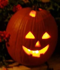 Une Citrouille Pour Halloween : comment creuser et d corer votre citrouille pour l ~ Carolinahurricanesstore.com Idées de Décoration