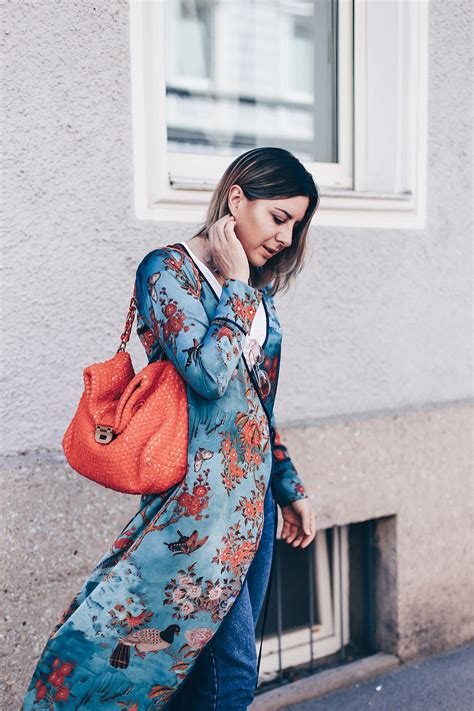 Fru00fchsommer-Outfit mit Zara Kimono und Mom Jeans! - Who is Mocca?