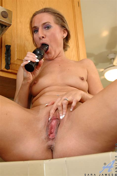 anilos freshest mature women on the net featuring anilos sara james mature nude wife
