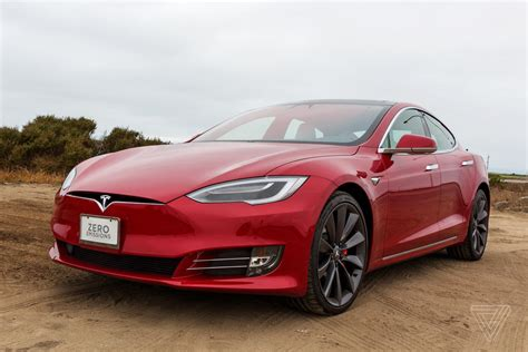 Tesla Car : Tesla Now Sells Electric Cars With 370 Miles Of Range