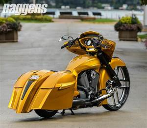 Custom 2015 Victory Cross Country | Victory Motorcycles ...