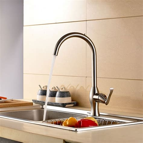 Stainless Steel Lead Free Kitchen Faucet (25010701ls