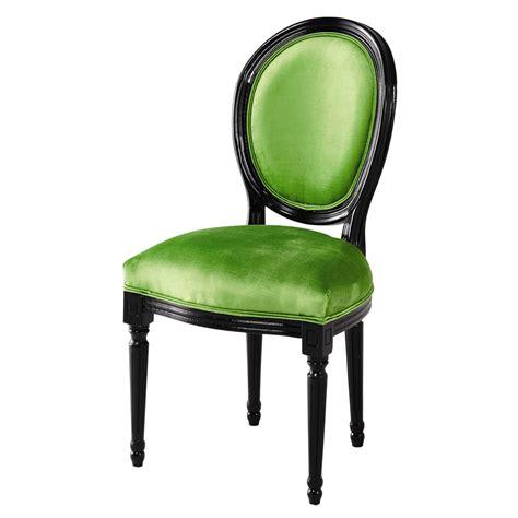 chaise medaillon en velours vert  bois noir louis maisons du monde