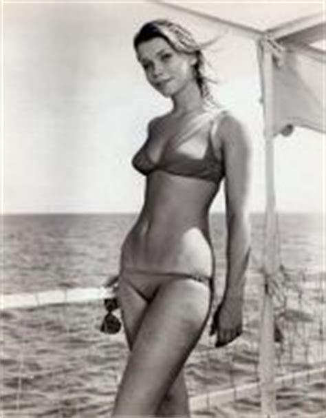 bo idarka frajt bikini neda arneric actress former yugoslavia s most beautiful