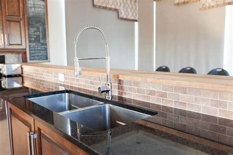 cuisine bois pas cher granit comptoirs dans la région de montréal et rive sud