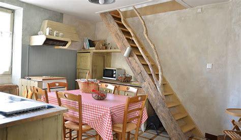 changer un 騅ier de cuisine maison troglodyte un habitat de charme pour une vie ou une nuit 18h39 fr