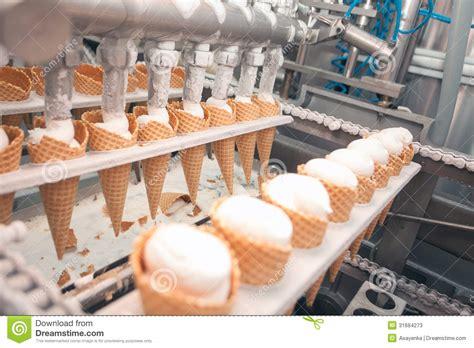 cuisine a prix usine glace sur l 39 usine image stock image du préparez