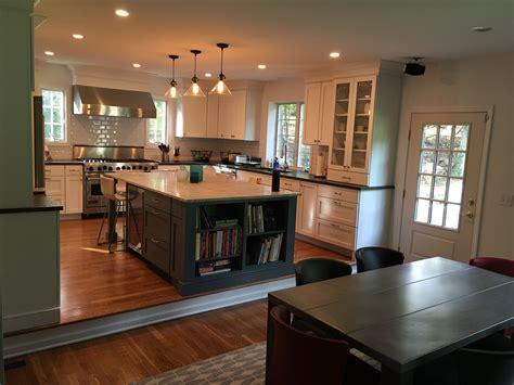 Split Level Kitchen Living Room Remodel by White Shaker Kitchen Gray Island Overlay Step