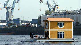 Wohnen Auf Dem Hausboot : wohnen auf dem hausboot wasserlagen sind begehrt n ~ Markanthonyermac.com Haus und Dekorationen