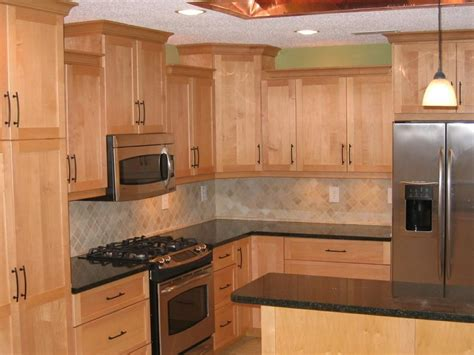 kitchen ideas with maple cabinets countertops for maple cabinets maple cabinets quartz 8125