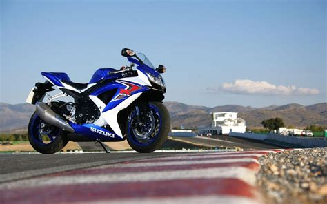 Suzuki Wallpapers by Beautiful Suzuki Gsx R Sport Bike Wallpaper Hd Wallpapers