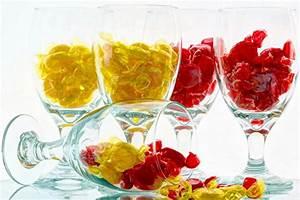 Gros Verre A Vin : fonds d 39 ecran bonbon en gros plan verre vin rouge jaune nourriture t l charger photo ~ Teatrodelosmanantiales.com Idées de Décoration