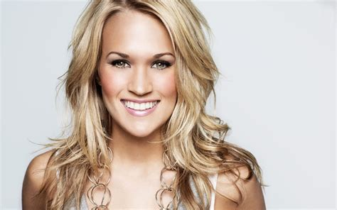 Carrie Underwood's Best Haircuts