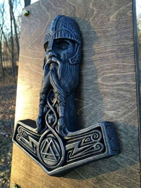 pin de don skjolde en vikings pinterest martillo de