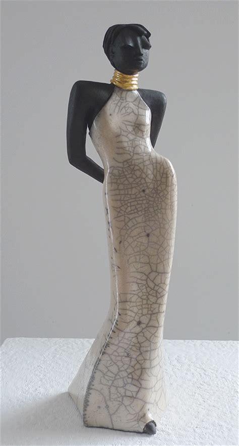 sara figur raku keramik plastik von margit