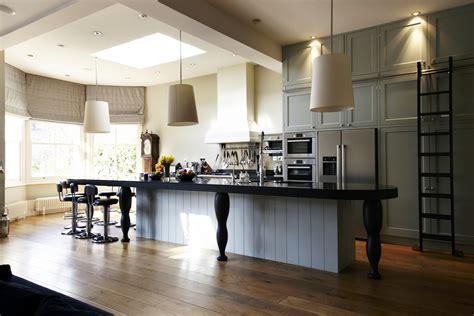 Modern victorian interior design style. Victorian Chic House With A Modern Twist - Decoholic