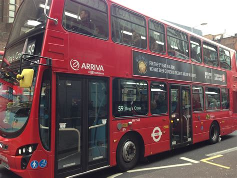 Turkish Airlines Ad On London Red Bus  Havayolu 101