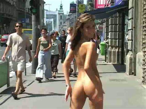 My Slender Yo Girlfriend Exposes Her Naked Body On