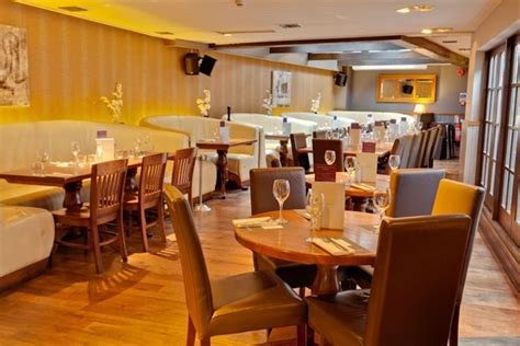 The Living Room Nottingham by Missoula Montana Bar And Grill Nottingham Menus Reviews