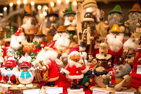 5 Christmas Craft Shows In Brampton You Definitely Need To Two Tone Dining Room Sets Formosa Rooms Where To Buy Table Centerpiece Ideas Decorated Custom Made Tables Small Kitchen Design