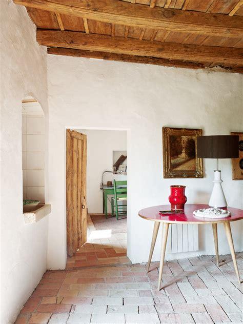 una casa de campo  estilo nuevo estilo
