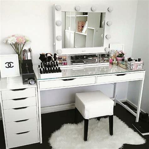 vanity table with lighted mirror ikea best 20 vanity desk ideas on pinterest vanity set ikea