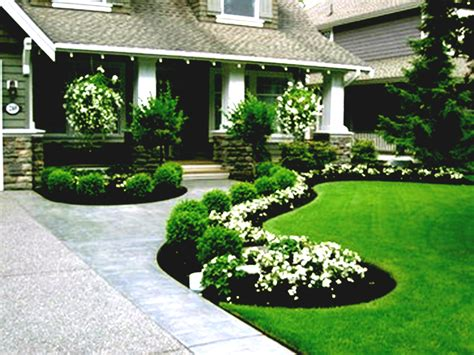 Simple Lighted Driveway Bed Best Front Yard Landscaping