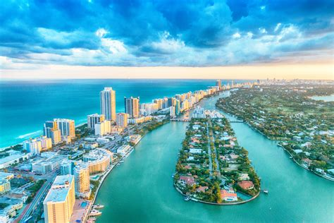 In Miami by Archives Des Miami Arts Et Voyages