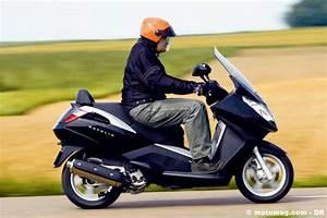 Peugeot Satelis 125 Fiche Technique : peugeot satelis 400 500 moto magazine leader de l actualit de la moto et du motard ~ Medecine-chirurgie-esthetiques.com Avis de Voitures