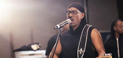 Light Eddie Murphy by Here S Eddie Murphy S Light Featuring Snoop