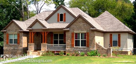 Craftsman House Plan For Sloping Lot