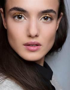 Maquillage Pour Yeux Marron : astuce de maquillage pour les yeux marrons les astuces de ~ Carolinahurricanesstore.com Idées de Décoration