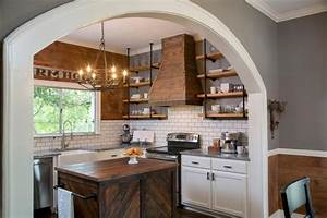 Kitchen makeover ideas from fixer upper hgtv39s fixer for What kind of paint to use on kitchen cabinets for hgtv wall art