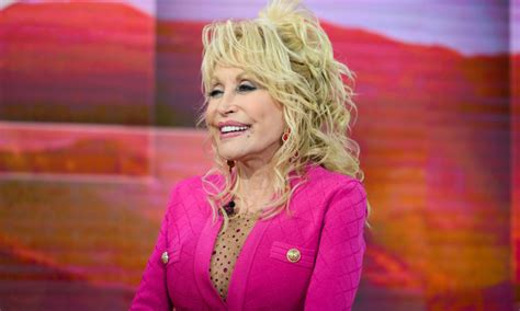 Dolly Parton to Release Signature Fragrance Perfume in ...