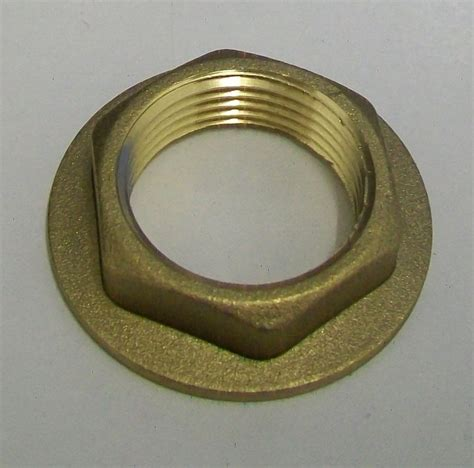 Brass Bath Tap Wide Flange 3 4in Backnut   07000300