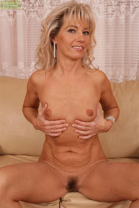 Big Natural Tits Mature Solo