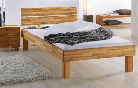 Bett Mit Hoher Liegefläche bett mit hoher liegefl 228 che bett madrid komfort betten de