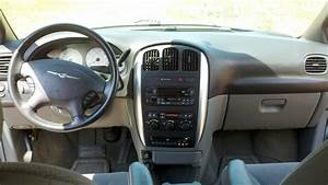 2005 Chrysler Town  U0026 Country - Interior Pictures