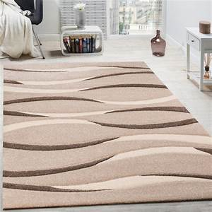 tapis salon contemporain fashion designs With tapis enfant avec canapé velours marron