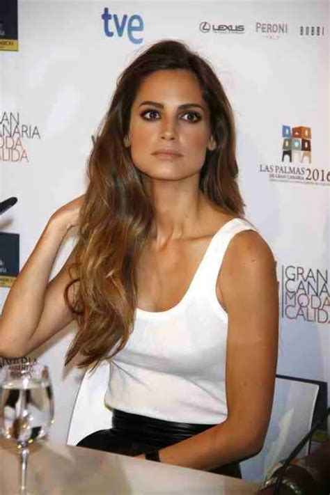Lovely Ladies in Leather: Ariadne Artiles in a leather skirt