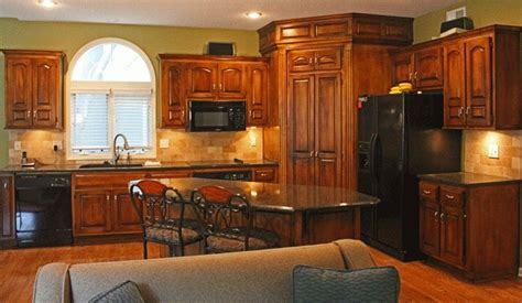 golden oak kitchen cabinets 1000 ideas about staining oak cabinets on gel 3858