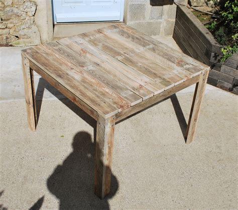 table en bois de a vendre table de jardin en bois palettes recycl 233 es meubles et rangements par au bout du bois